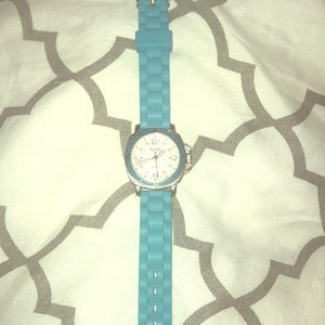 EUC bright turquoise Bora watch